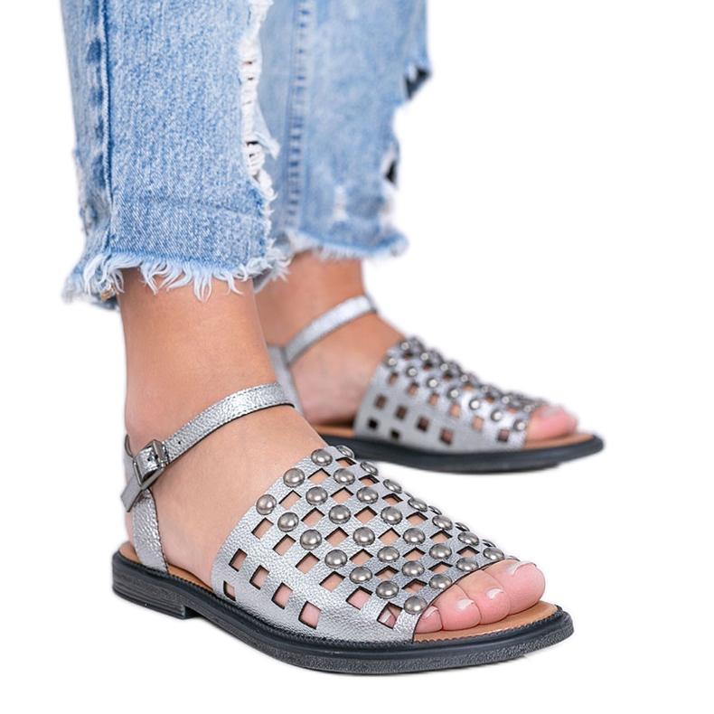 Grijze metallic sandalen met Luxy studs grijs