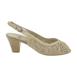 Caprice sandalen dames opengewerkte schoenen 29606 bruin