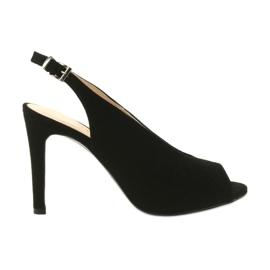 Edeo zwart Suede sandalen aan een speld