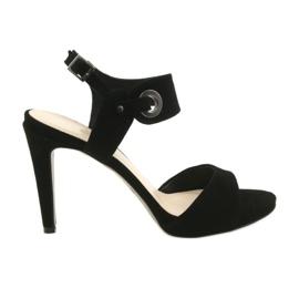 Leren sandalen op een speld Edeo 3208 zwart