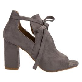 Vinceza Opgezette sandalen aan een bar grijs
