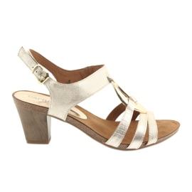 Geel Caprice dames sandalen met versiering 28308 gouden ovaal