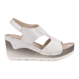 Goodin Comfortabele sandalen met sleehak wit