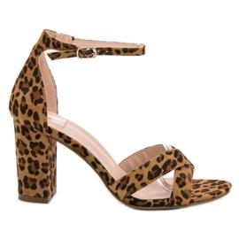 Ideal Shoes bruin Sandalen aan de bar