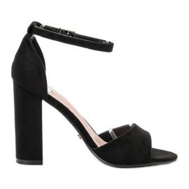 Ideal Shoes zwart Comfortabele sandalen met hoge hakken