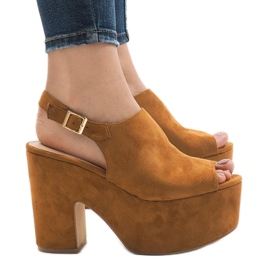 Camel sandalen op een massieve 8263CA baksteen