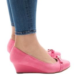 Roze suede pumps op sleehak 50987