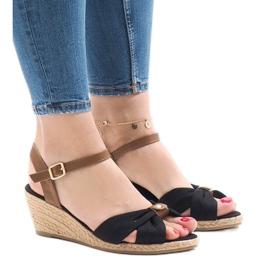 Zwarte sandalen op espadrilles met sleehak 1484-1