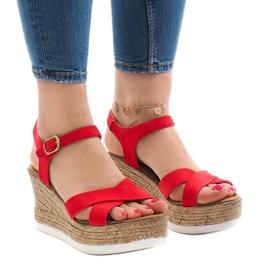 Rood Rode sandalen op sleehak XL104