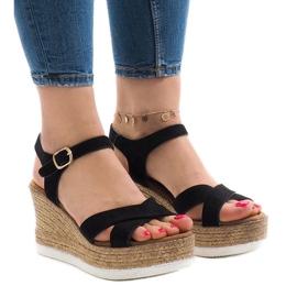 Zwarte sandalen op sleehak XL104