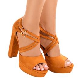 Oranje sandalen op de suede stiletto D09