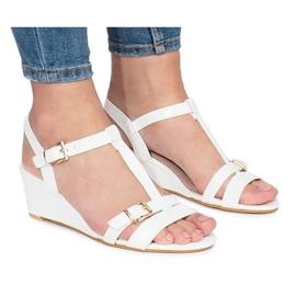 Wit gelakte 668-1 sleehak sandalen