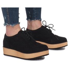 Zwarte schoenen op Danielle Platform