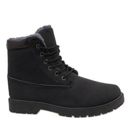 Zwarte geïsoleerde wandelschoenen 7M500A