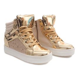 Geel Geïsoleerde Sneakers Y-25 Goud