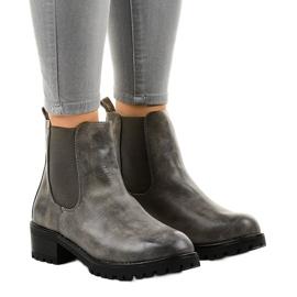 Grijze laarzen op de paal met een Z105 elastische band grijs