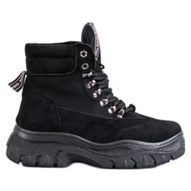 Laarzen op het VICES-platform zwart
