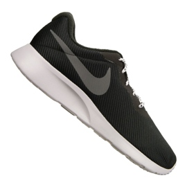 Nike Tanjun Se M AR1941-005 schoenen zwart
