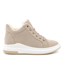 Geïsoleerde beige sneakers TL133-5 bruin