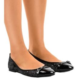 Zwarte opengewerkte ballerina's 3026