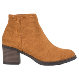 Kylie Camel Boots On A Bar bruin