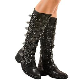 Zwarte laarzen rijkelijk versierd NC271