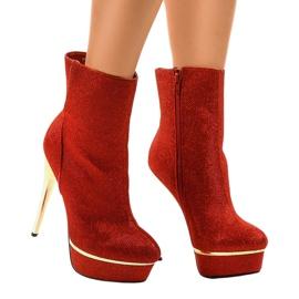 Rode hoge laarzen op AH85723-4 rood