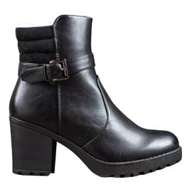 J. Star Comfortabele laarzen gemaakt van ecologisch leer zwart