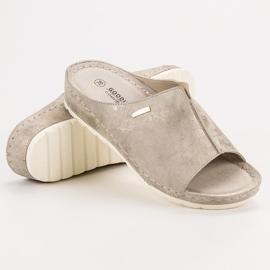 Goodin Golden Slippers 1