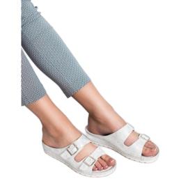 Goodin Slippers met gesp 5