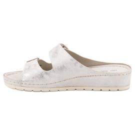 Goodin Slippers met gesp 2