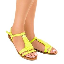 Gele platte sandalen met gesp WL137-1 geel 1