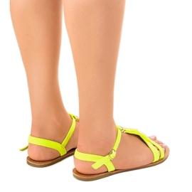 Gele platte sandalen met gesp WL137-1 geel 3