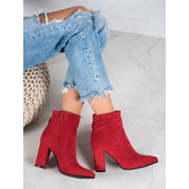 Ideal Shoes Suede Booties On A Bar rood 1