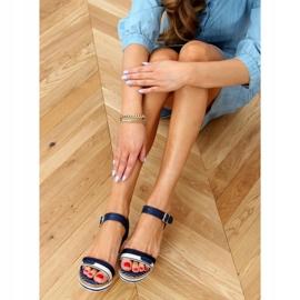Marineblauwe sandalen met sleehakken A89832 Blauw 2