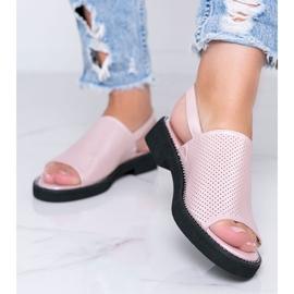 Roze sandalen met platte hak van Betsy 1