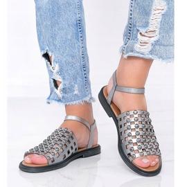 Grijze metallic sandalen met Luxy studs grijs 1