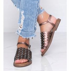 Bruine metallic sandalen met Luxy studs 2