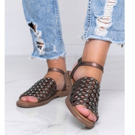Bruine metallic sandalen met Luxy studs 1